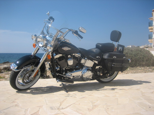 Heritage_Softail_Classic-_2011